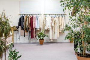 Jak konsumpcjonizm odzieżowy niszczy planetę?