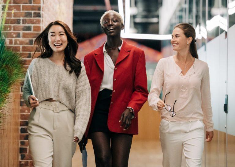 Rola mody w kreowaniu postaw i przekonań