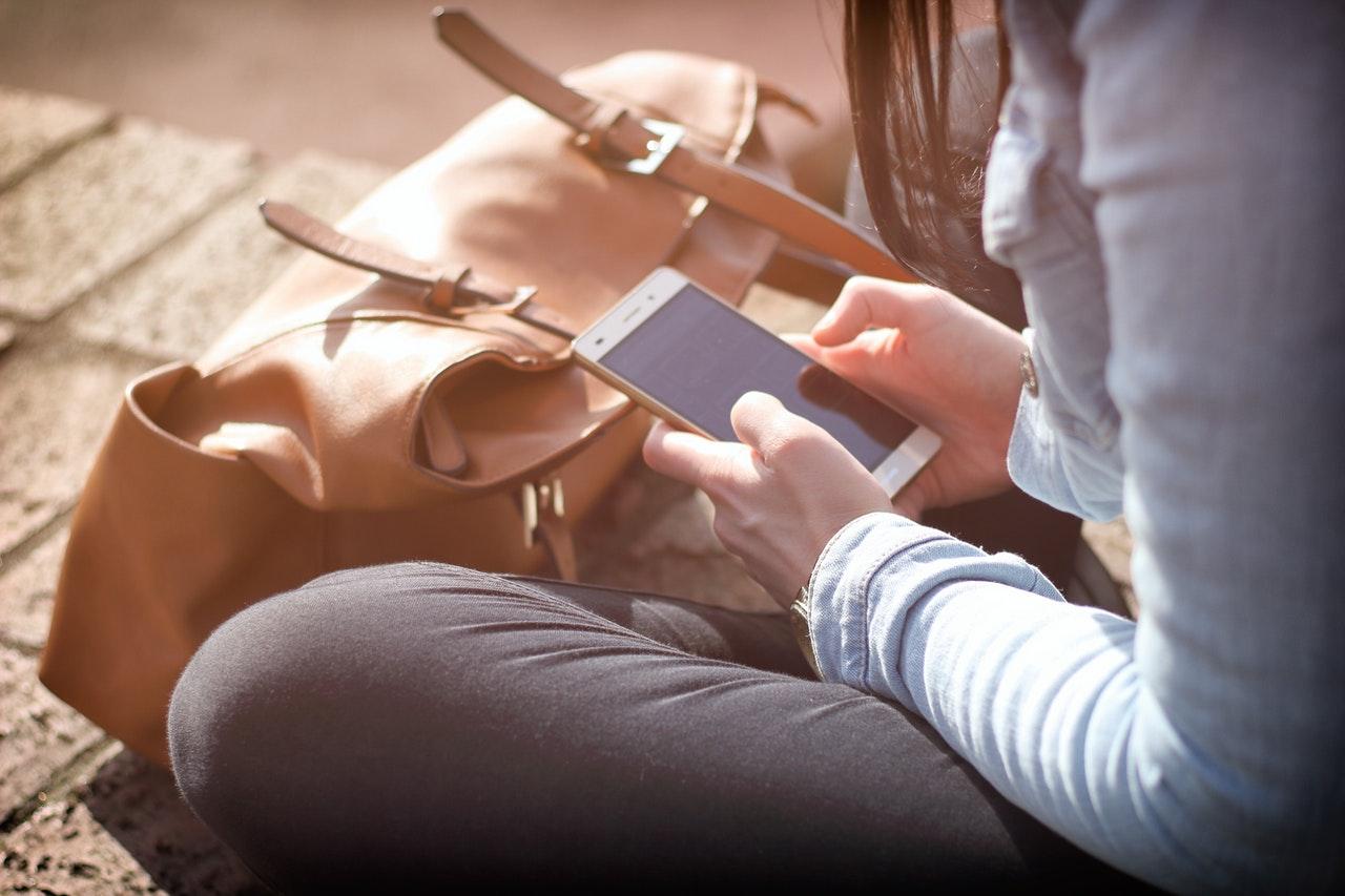 Polki robią smartfonem średnio 27 zdjęć dziennie
