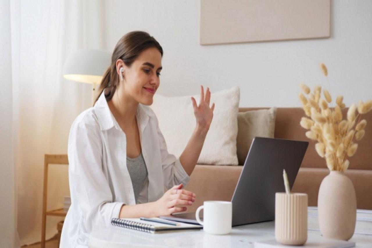 Połowa uczestników spotkań online chciałaby wprowadzenia jasnych zasad etykiety