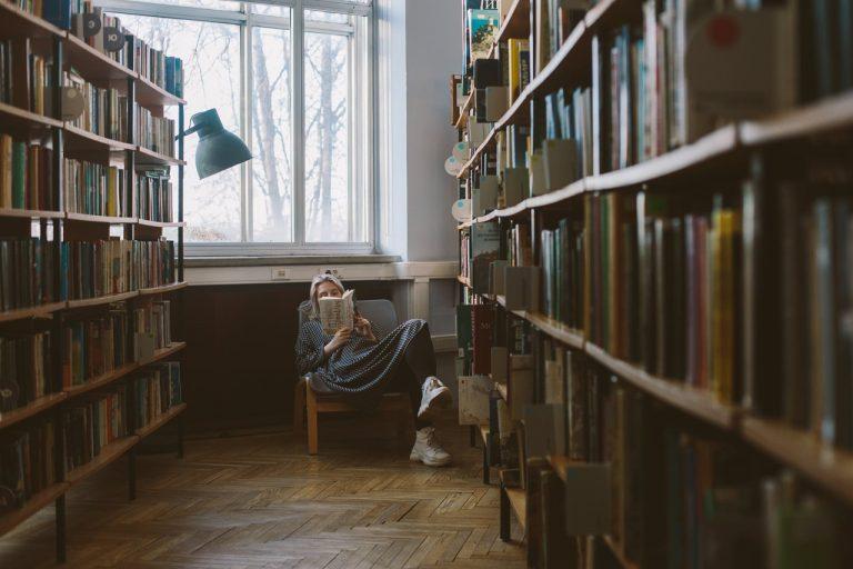 Pozycje z czarnej listy – co czytać podczas Tygodnia Zakazanych Książek?